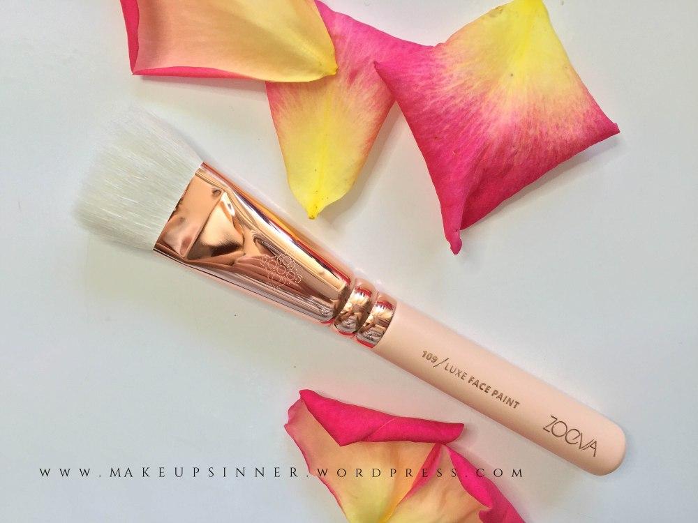 luxe face paint brush zoeva.jpg