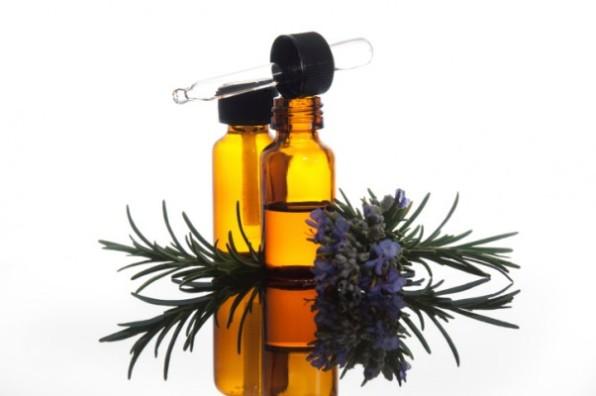 olio-essenziale-di-rosmarino-e1401434654140