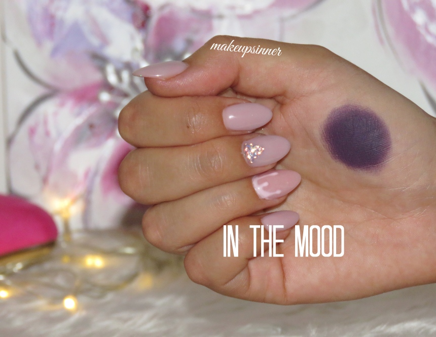 IN THE MOOD SWATCH MULAC.JPG
