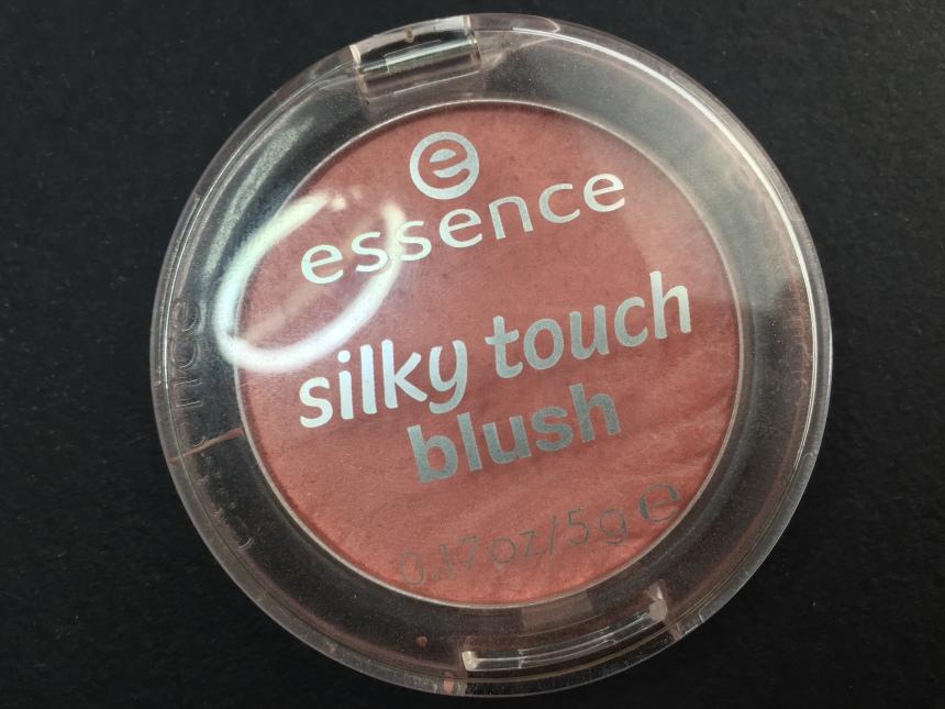 ESSENCE - SILKY TOUCH BLUSH.JPG