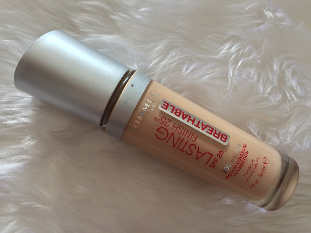 LASTING FINISH BREATHABLE - RIMMEL.jpg