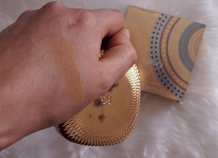 kiko-gold-waves-compact-foundation-05-swatch.jpg.jpg